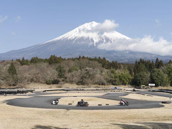 Raoul Ries: Thirty-Six Views of Mount Fuji 22 (Akayaki, Kamiide), 2015-2016