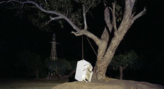 Derek Kreckler: Untitled #5 White Goods, 2004, Digital C-Type, 127,5 cm x 69 cm, Edition of 10+2