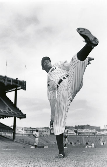 SAM SHAW: Leroy Robert (Satchel) Paige, New York City  Ende der 40er Jahre © Sam Shaw Inc. - www.shawfamilyarchives.com