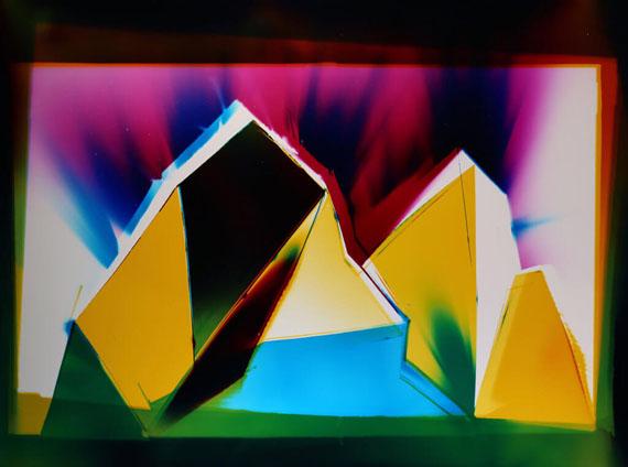 Liz NielsenRainbow, 2016127 x 195.6 cm - 50 x 77 inchesUnique analog chromogenic photograph on Fujiflex paper©Liz Nielsen Courtesy NextLevel Galerie Paris