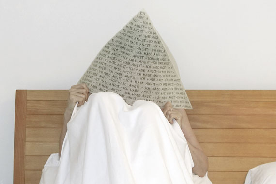Renate Bertlmann − Angsthut, 2016Fujicolor Crystal, 47×70 cm, kaschiert auf Dibond