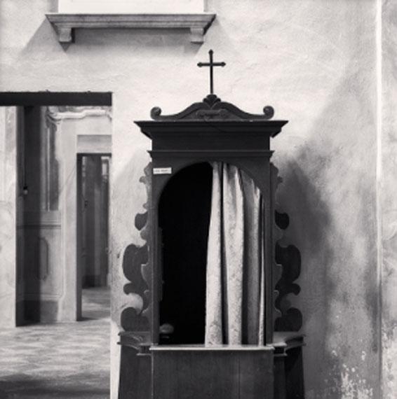 Confessional, Study 1, Chiesa dei Santi Pietro Apostolo e Prospero Vescovo, Reggio Emilia, Italy. 2007© Michael Kenna