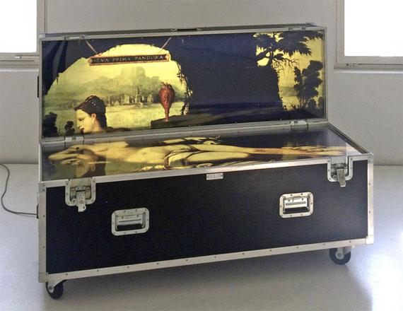 Patrick Raynaud: Cousin's Travel - Eva Prima Pandorra, 1994Flight Case80 x 160 x 60 cm (closed), 140 cm (opened)