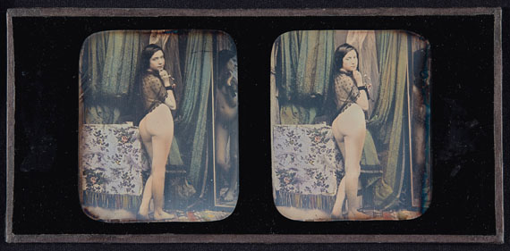Lot 21ANONYM (Active XIXe)Untitled (Nude with Shawl), circa 1850Hand-coloured stereoscopic daguerreotypeEach image: 2⅝ x 2¼ in.Plate: 3¼ x 6¾ in.Estimate: €7,000-9,000