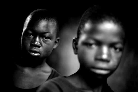 "Mário Macilau: ""At the Entrance""aus der Serie ""Growing in Darkness"", 2012-2015Digital Pigment PrintEd. 2 + 2 AP60 x 90 cm"