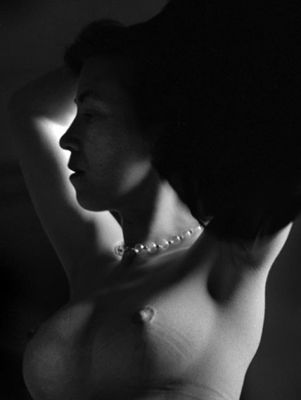 © René Groebli, Eye of Love, Profil with necklace (No. 1560), Paris, 1952