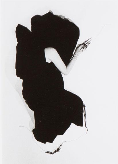 "Lot 12Helena Almeida, ""Negro Exterior"" / ""Noir...€ 3.000 - 5.000"