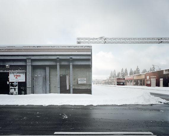 »AstaZero III, Sandhult, Sweden«, 2016aus der Serie | from the series »The Potemkin Village«C-Print im Holzschattenfugenrahmen, kaschiert auf AluDibond, ohne GlasEd. 5 + 2 AP95 x 120 cm