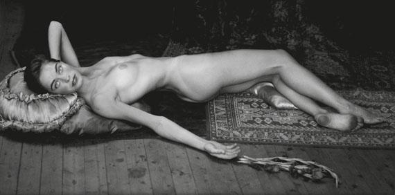 """Matthias LeupoldAuf harter Diele, Berlin 1995, aus """"Die Schönheit der Frauen"""""""
