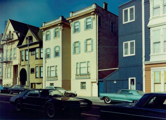 Stephen Shore, Scott Street, San Francisco, California, August 2, 1973© Stephen Shore, Courtesy Edwynn Houk Gallery