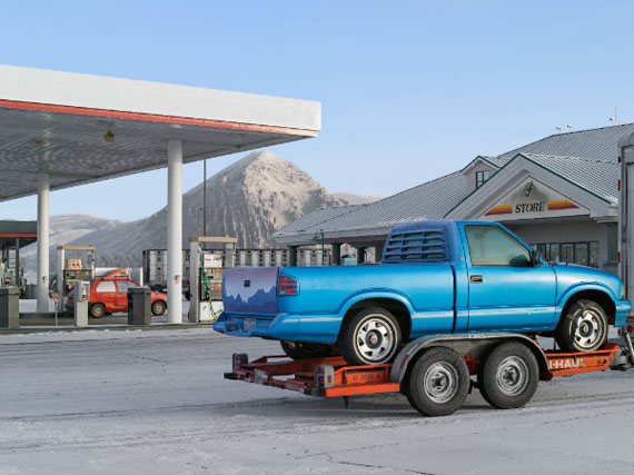 Gas Station Wyoming © Lucas Foglia / Courtesy of Michael Hoppen Gallery