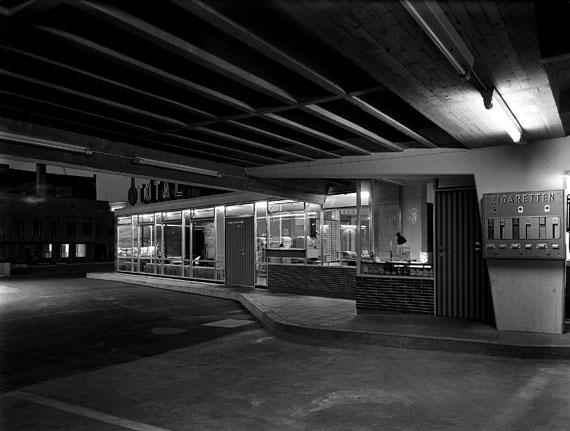 Sigrid Neubert: Gerd Wiegand, Parkhaus Grottenau, Augsburg, 1957© Architekturmuseum der TU München