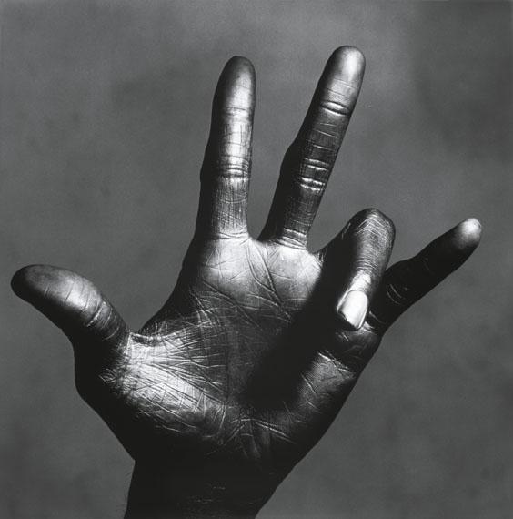 Irving Penn, The Hand of Miles Davis (C), New York ca. 1949-1950© The Irving Penn Foundation