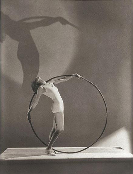 "George Hoyningen-Huene, ""Bathing Fashion"", Paris 1930, © Estate George Hoyningen-Huene"