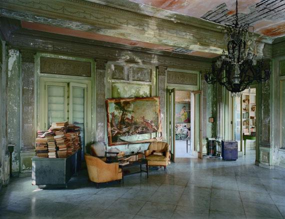Señora Faxas Residence, Miramar, Havana, No. 1, 1997© Robert Polidori, courtesy Edwynn Houk Gallery