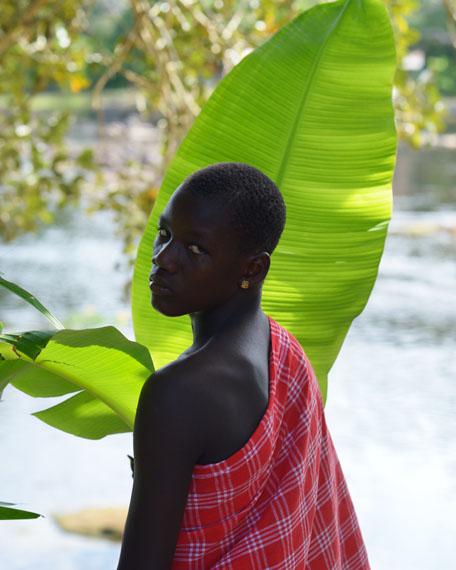 Nicola Lo CalzoImrou, un jeune Saamaka arrivé à Asindoopo pour les funérailles du Gaama, Suriname, 2014, 2014Photography 126 x 100 cmGalerie Dominique Fiat
