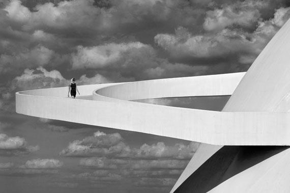 Olaf Heine: Girl Descending a Ramp, Brasilia, 2012© Olaf Heine, Courtesy CAMERA WORK