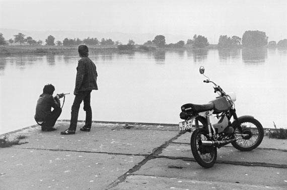 Harald Hauswald: an der Elbe bei Radebeul, 1984 © Harald Hauswald/OSTKREUZ