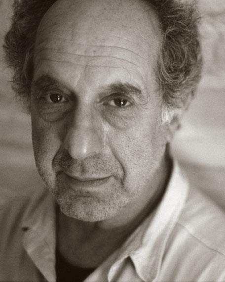 """Gundula Schulze EldowyRobert Frank, New York, 1990, aus der Serie: """"Halt die Ohren steif! KEEP A STIFF UPPER LIP""""© Gundula Schulze Eldowy"""