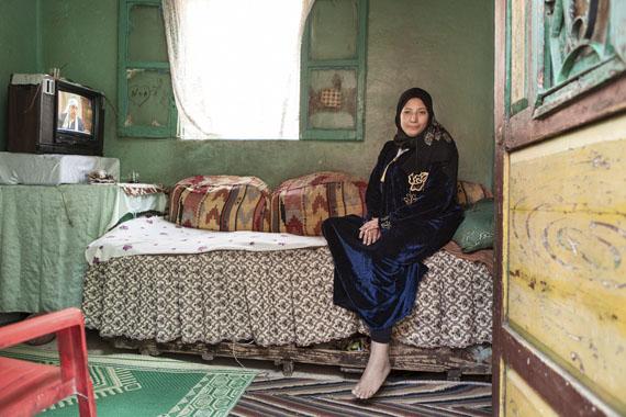 Amélie Losier: Samah Hametou Abdel Azim in ihrem Wohnzimmer, Kairo, 2014