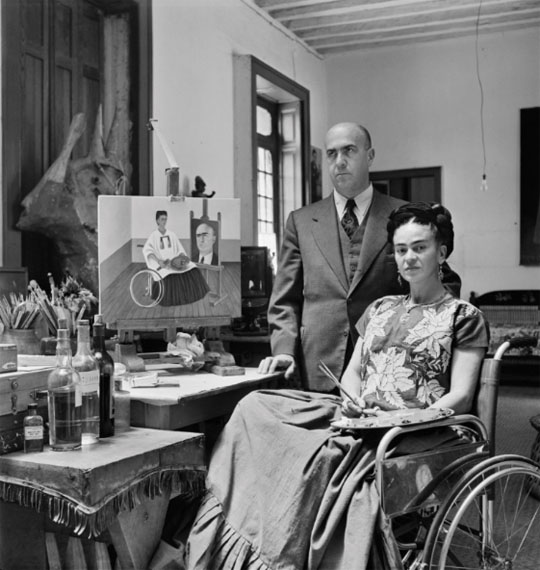 Gisèle Freund: Frida Kahlo and the doctor Juan Farill at her home in Coyoacán, Mexico City, circa 1951Courtesy Collection of Dr. Marita Ruiter, Galerie Clairefontaine Luxembourg © Gisèle Freund/IMEC/Fonds MCC