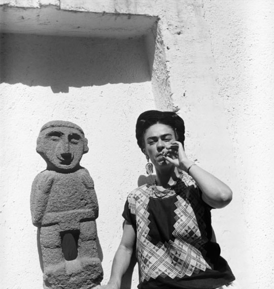 Gisèle Freund: Frida Kahlo, Mexico City, circa 1951Courtesy Collection of Dr. Marita Ruiter, Galerie Clairefontaine Luxembourg © Gisèle Freund/IMEC/Fonds MCC