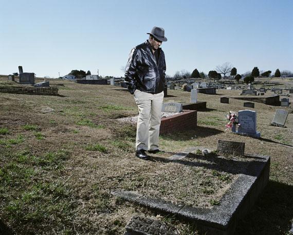 Mathieu Asselin: Edgemont Cemetery, West Anniston, Alabama, 2012, aus dem Projekt Monsanto: A Photographic Investigation © Mathieu Asselin