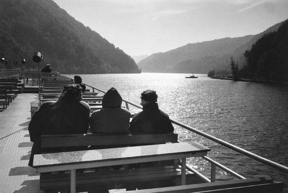 Inge Morath: Österreich. Dampferfahrt von Passau nach Linz, 1993 © Inge Morath / Magnum Photos / Fotohof Archiv