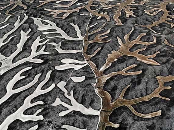 © Edward Burtynsky, Dryland Farming, # 2,  Monegros County, Aragon, Spain, 2010, C-Print, 99 x 132 cm