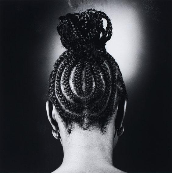 Untitled 1966_1975 © JD Ojeikere Hairstyles 2