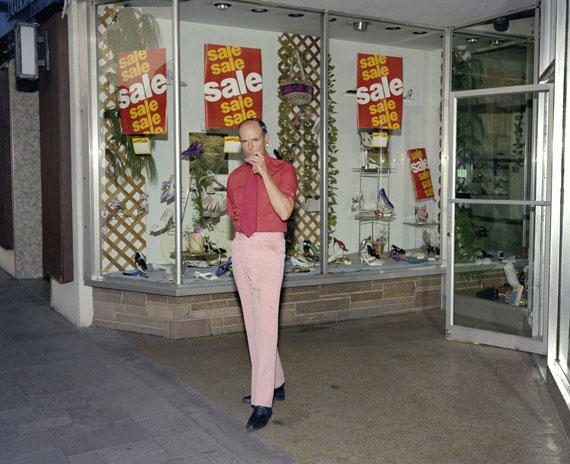 "Jay Wolke: »Shoe Salesman, ""Reno"", 1991, aus der Serie ""Same Dream Another Time"""