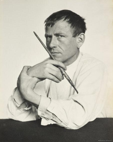 Hugo Erfurth: Otto Dix mit Pinsel, 1929, Ölpigmentdruck© VG Bild-Kunst, Bonn, 2018; courtesy LVR Landesmuseum BonnPhoto: Jürgen Vogel