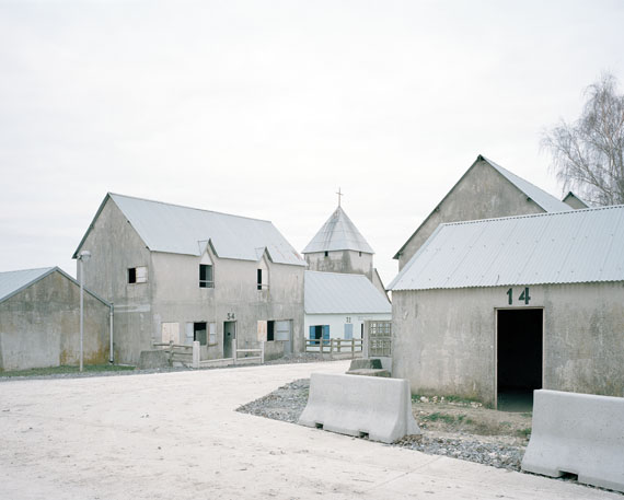 "Gregor Sailer: ""Beauséjour III, French Army, France"", 2015aus der Serie ""The Potemkin Village""C-Print, 95 x 120 cm, Ed. 5 + 2 AP"
