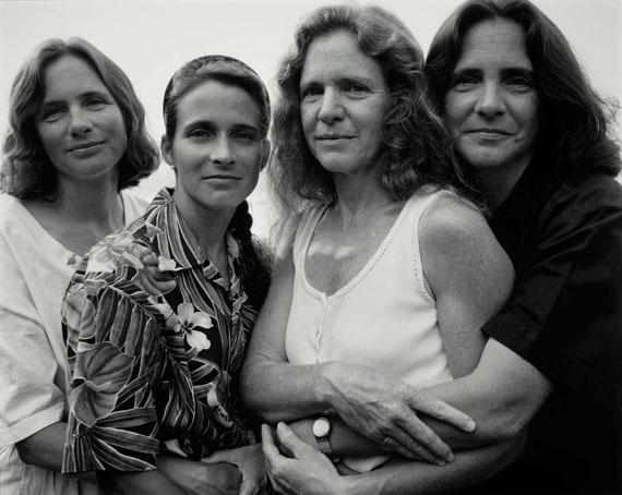 The Brown Sisters, 1995 . Colecciones Fundación MAPFRE © Nicholas Nixon . Courtesy Fraenkel Gallery, San Francisco