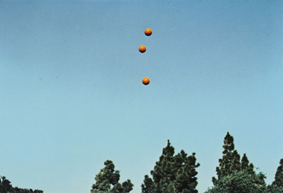 John Baldessari, from the series Throwing Three Balls in the Air to Get a Straight Line(Best of Thirty-Six Attempts), 1973 © John Baldessari