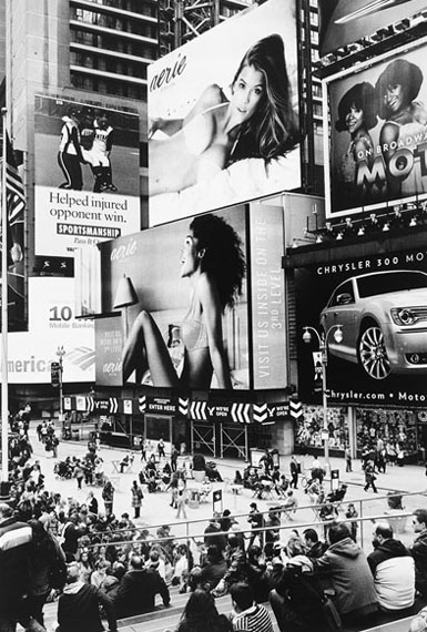 """Timm Rautert, from the series """"Manhattan Mirror"""", 2012, sixty black and white photographs, gelatin silver prints, 35,2 x 24 cm each (image size), 40,6 x 30,6 cm (sheet size), variable installation on eighteen boards with five artificial stones and five mirrors"""