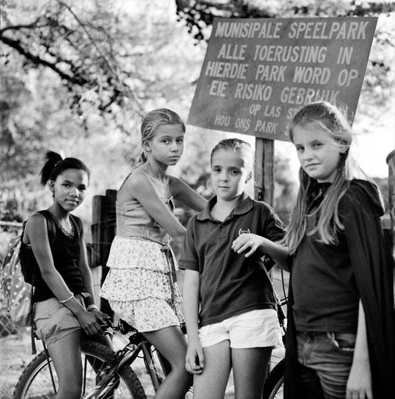 "Katharine Cooper: ""Cheryldean, Hestia, Marisa & Clara: Girls in the Park at Prins Albert, South Africa""© Katharine Cooper, courtesy Flatland Gallery, Amsterdam"