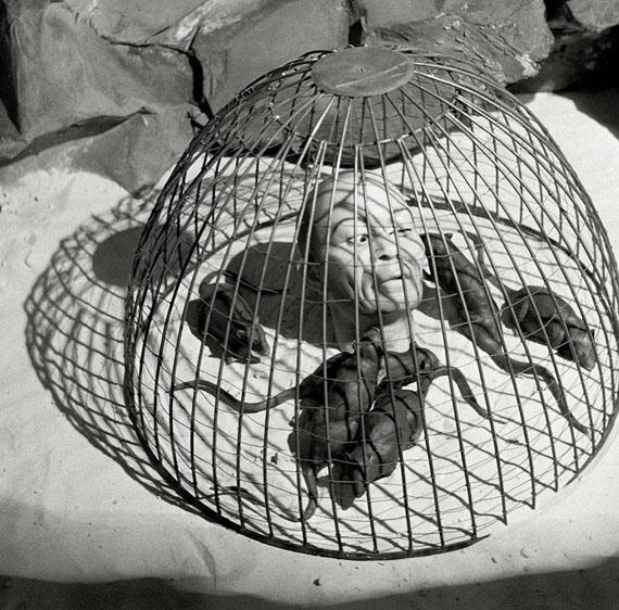 Herbert List ' Alptraum, 1935' © Herbert List / Magnum Photos