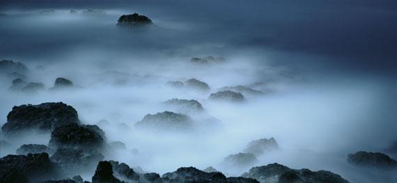 Darren AlmondFullmoon@Cape Verde Breakers 2013Tirage chromogène (contrecollage en verre)121 x 268 cmEdition 3 + 2 EACourtesy Xippas