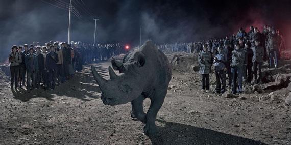 Nick Brandt: River of people with blind rhino, 2018 © Nick Brandt Courtesy ATLAS Gallery London