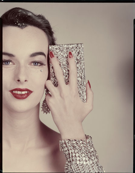 Minaudière Evans. Earrings Ledo. Bracelet Henri Bendel (model: Victoria von Hagen) Variant of the photograph published in the article