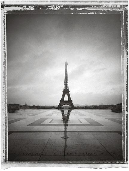 Christopher ThomasParis Tour Eiffel VI, 2013Pigment-Print auf Büttenpapier76 x 56 cm, Auflage 25© Christopher Thomas / Courtesy Persiehl & Heine, Galerie für Fotografie