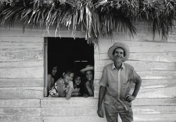 Chris SimpsonOrlando's Family, CubaArchival pigment print60 3/10 × 45 2/5 in, 153.2 × 115.3 cmEdition of 20Atlas Gallery, London