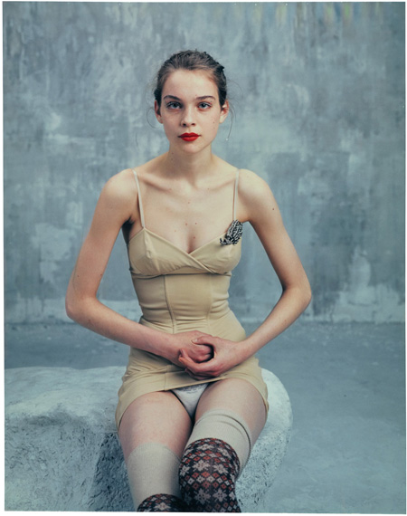 "Bettina Rheims""Héroïnes"" Kim Noorda, Polaroid No 1, mars 2005, Paris2005Polaroïd Couleur27.5 x 21.5 cmPièce uniqueCourtesy Xippas"