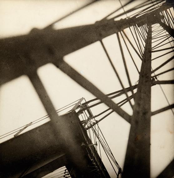 26JAROSLAV RÖSSLER (1902–1990) Konstrukce (Eiffel Tower), 1928Vintage silver print 22,4×22cm (8.8×8.7in) € 20.000–25.000
