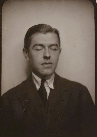 163René Magritte Self-portrait with eyes closed, 1929.Vintage photomaton.From the Patrick Roegiers collection