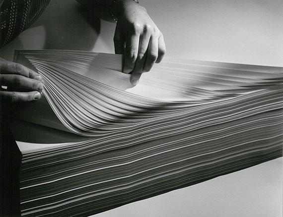 Ludwig Windstosser: Untitled (Scheufelen), 1950-1957, Silver gelatin print© Staatliche Museen zu Berlin, Kunstbibliothek/Ludwig Windstosser