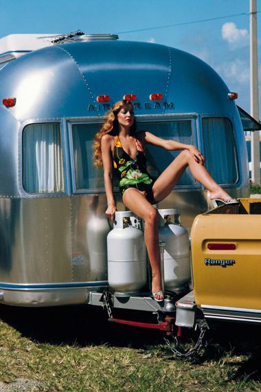 Helmut Newton: Jerry Hall, American Vogue, Miami, Florida, 1974© Helmut Newton Estate