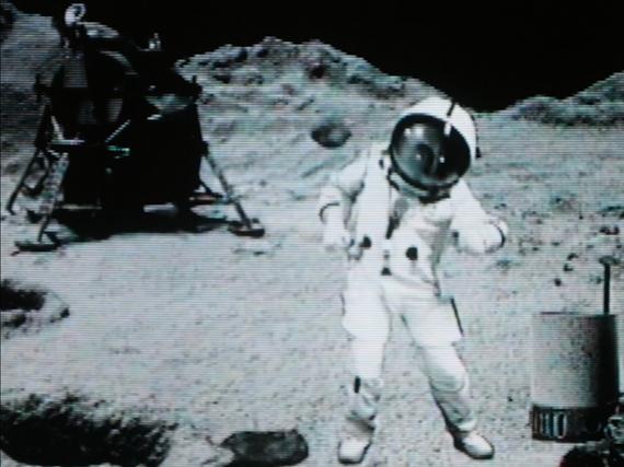 Pierrick sur la Lune, 2018 (holographic scene) © Pierrick Sorin