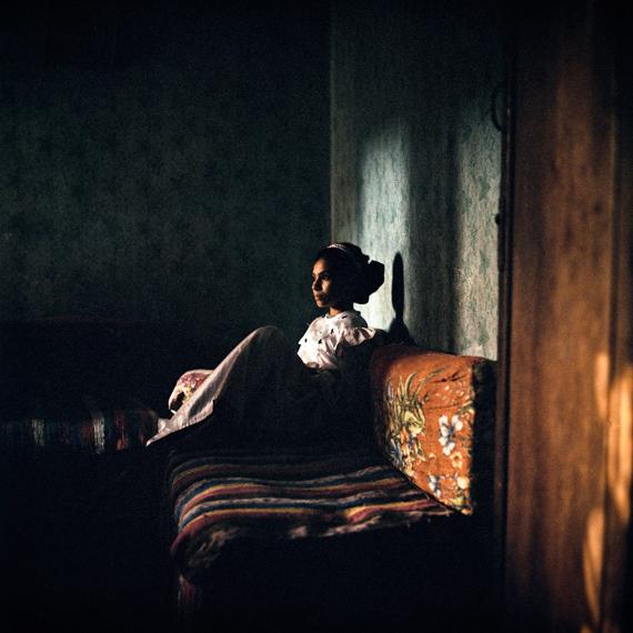 Denis DailleuxJeune fille dans un village près du Caire, 1996C-Print, Ed. 6, 120 x 120 cm, mounted, framed